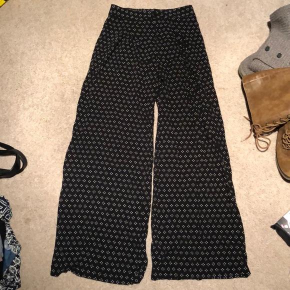 Xhilaration Pants - Flare leg soft island pants
